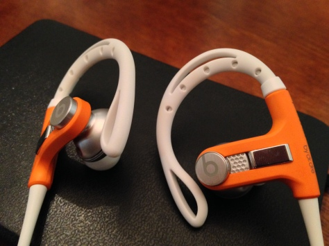 A close up look of the ear pieces and ear holders.
